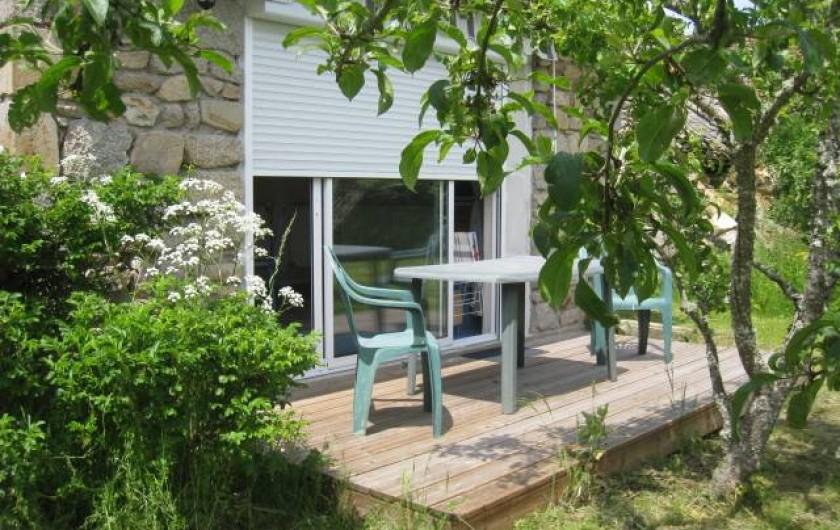 Location de vacances - Villa à Gouttières - Terrasse donnant sur verger privé
