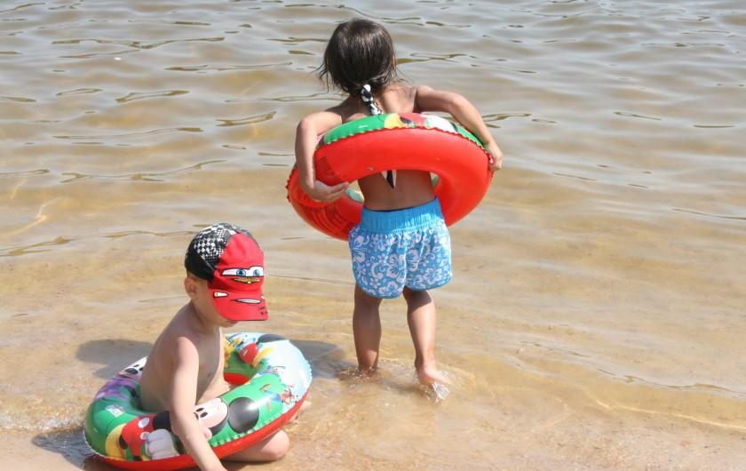 Location de vacances - Bungalow - Mobilhome à Beynat - Plaisirs de l'eau pour les petits comme pour les grands.