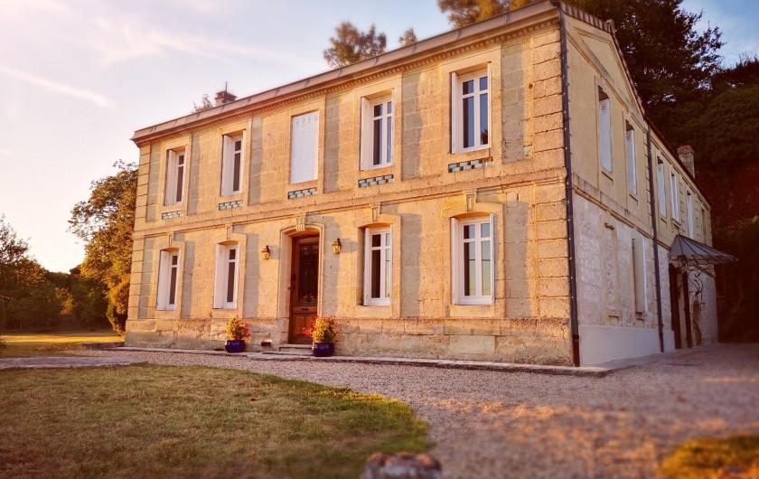 Location de vacances - Gîte à Bourg sur Gironde - Photo de la Villa FABLION
