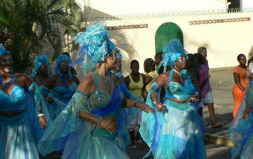 Location de vacances - Appartement à Deshaies - carnaval en janvier février