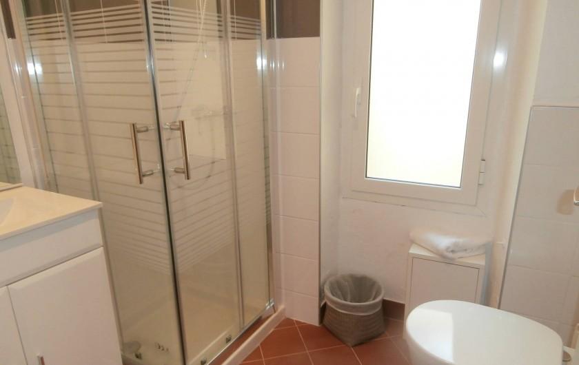 Location de vacances - Chambre d'hôtes à Bouyon - SALLE D'EAU CHAMBRES FANNY ET MARIUS