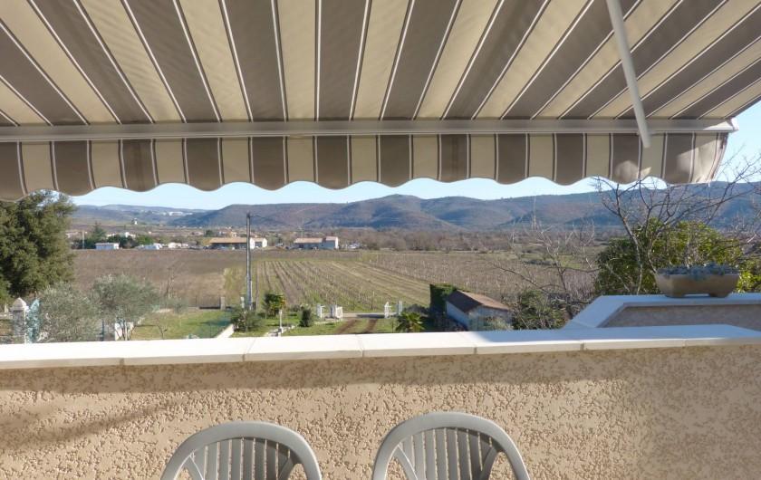 Location de vacances - Villa à Lavilledieu - Vue terrasse