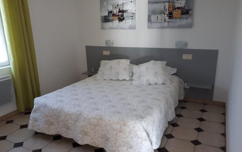 Location de vacances - Villa à Lavilledieu - Chambre étage