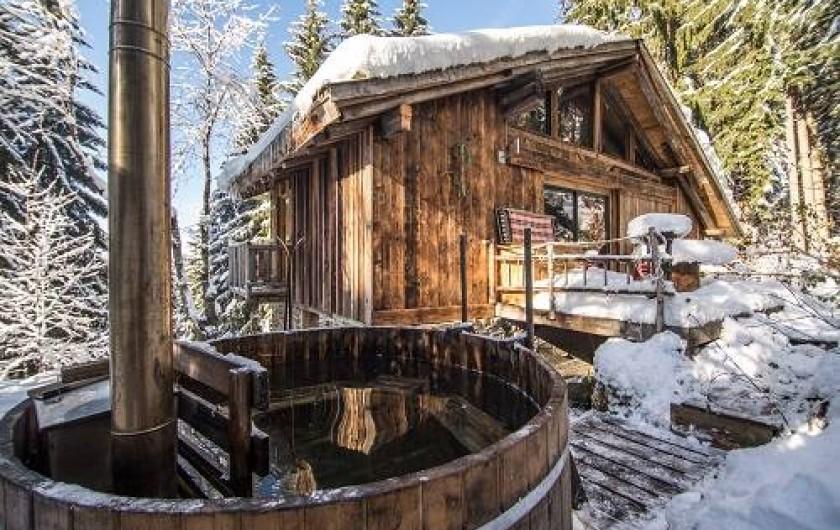 Location de vacances - Chalet à Saint-Gervais-les-Bains - Spa en meleze de sibere