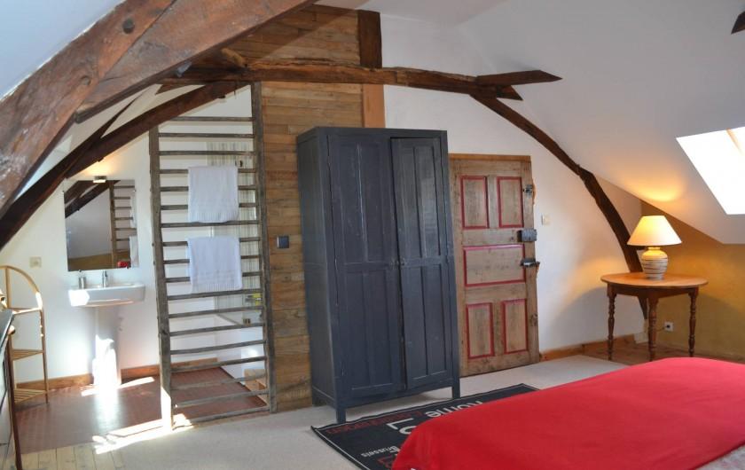 Location de vacances - Gîte à La Baconnière - Chambre 2ème étage (2 lits 90x200) avec salle de bains attenante