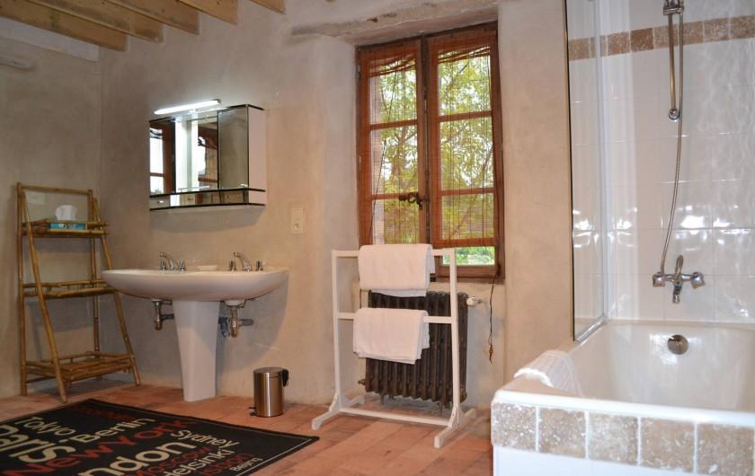Location de vacances - Gîte à La Baconnière - Salle de bains attenante chambre parentale 1er étage