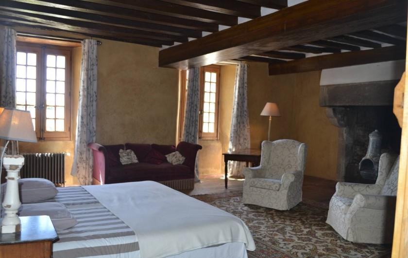 Location de vacances - Gîte à La Baconnière - Chambre parentale 1er étage (2 lits 90x200) Vue terrasse