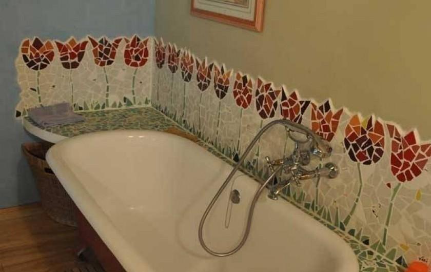 Location de vacances - Maison - Villa à Castéra-Verduzan - la salle de bain de la chambre bleue
