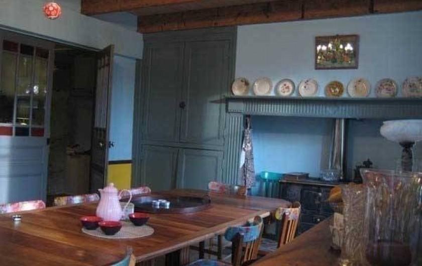 Location de vacances - Maison - Villa à Castéra-Verduzan - dans la cuisine, le coin repas