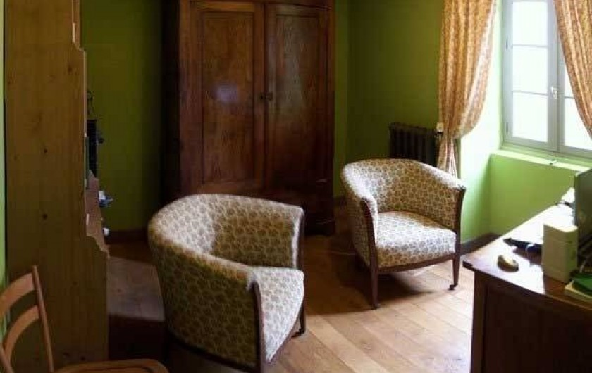 Location de vacances - Maison - Villa à Castéra-Verduzan - le bureau/bibliothèque, pouvant servir de chambre d'appoint