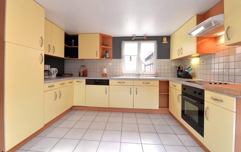 Location de vacances - Appartement à Eguisheim - spacieuse cuisine équipée