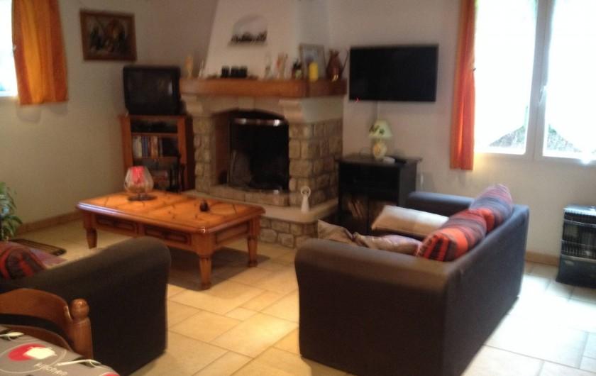 Location de vacances - Villa à Thueyts - salon écran plat