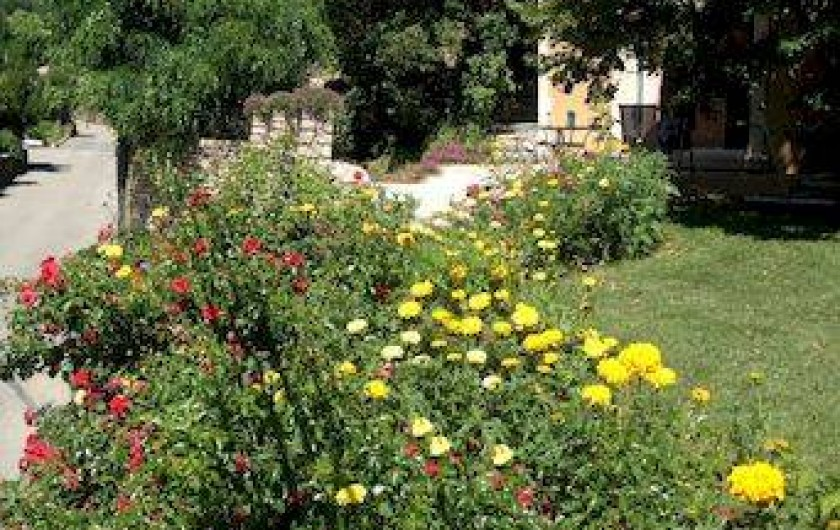 Location de vacances - Villa à Thueyts - vue jardin