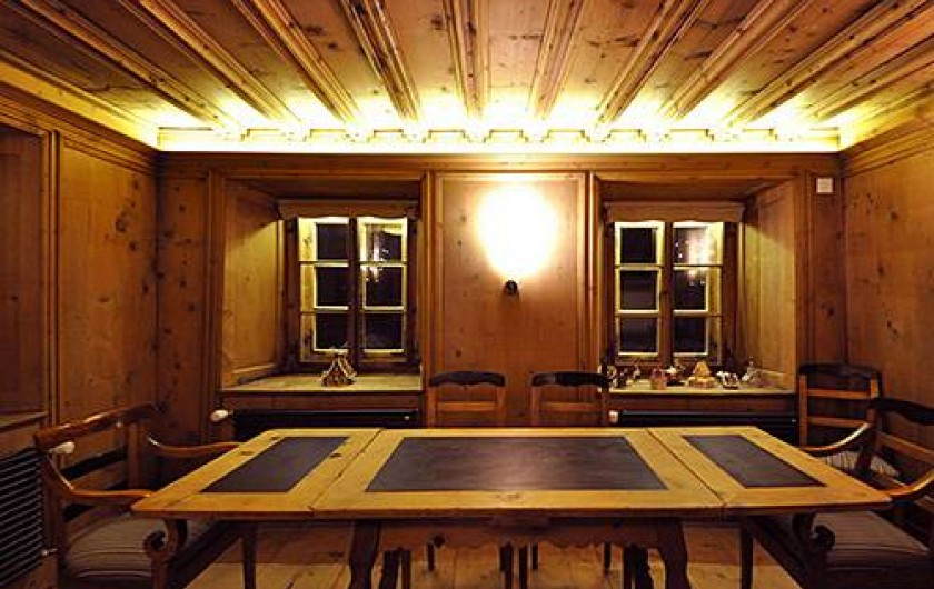 Location de vacances - Chalet à La Punt-Chamues-ch - Ancienne Stuva (salle a manger pour 8 adultes)