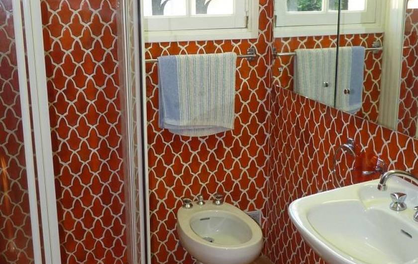 Location de vacances - Villa à Gassin - Salle de douche