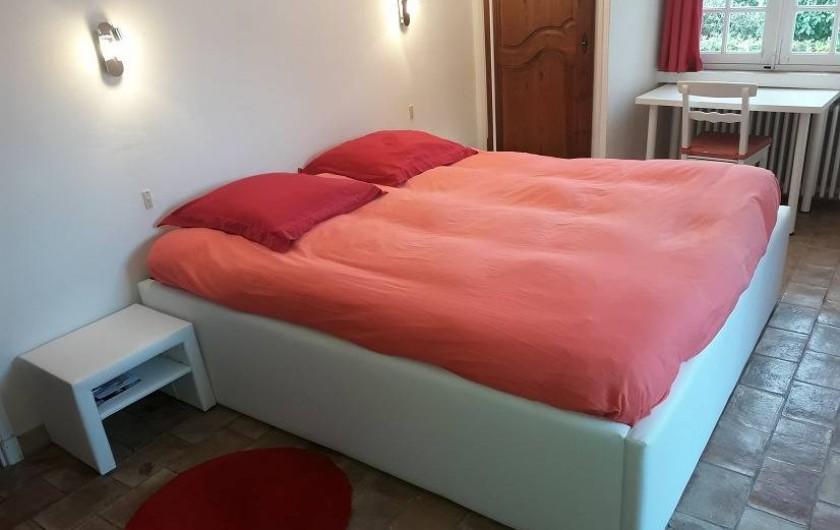 Location de vacances - Villa à Gassin - Chambre de maître (1)  Lit king size (180x200cm)
