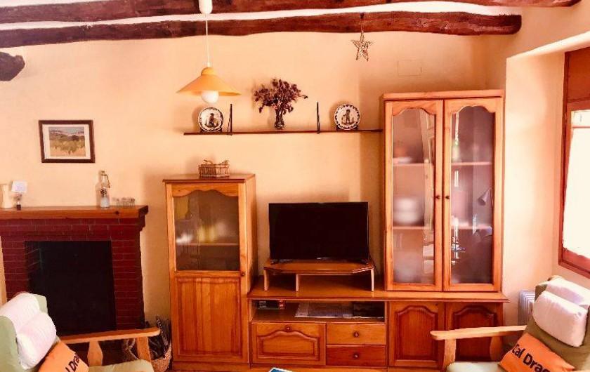 Location de vacances - Gîte à Puigdàlber - salón tv  1ª planta