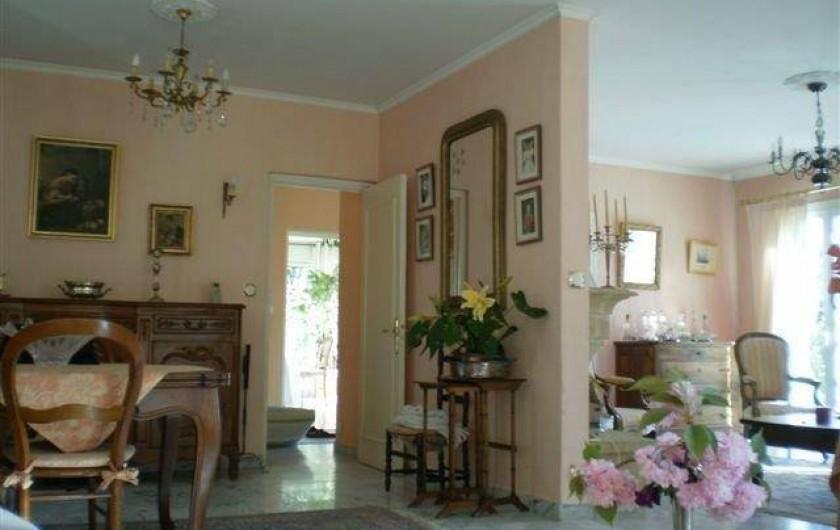 Location de vacances - Villa à Les Figons - le salon-salle à manger