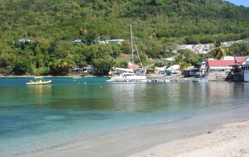 Location de vacances - Gîte à Deshaies - le mouillage dans la baie de Deshaies
