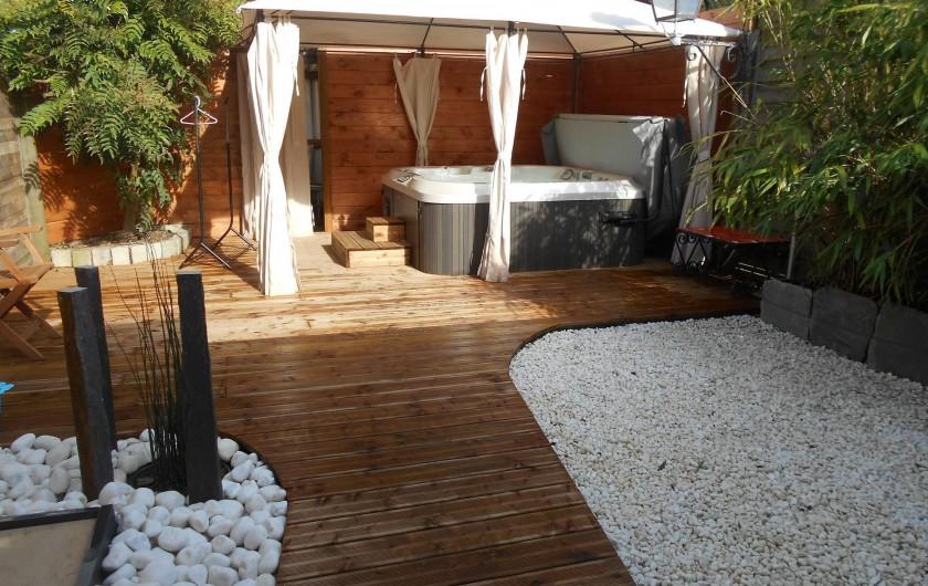 Location de vacances - Gîte à Ploumagoar - jacuzzi