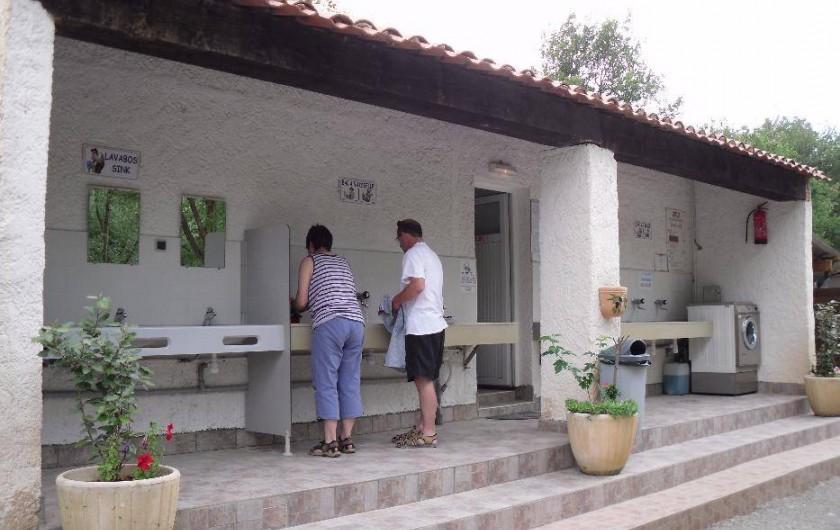 Location de vacances - Camping à Bauduen - Sanitaire 1