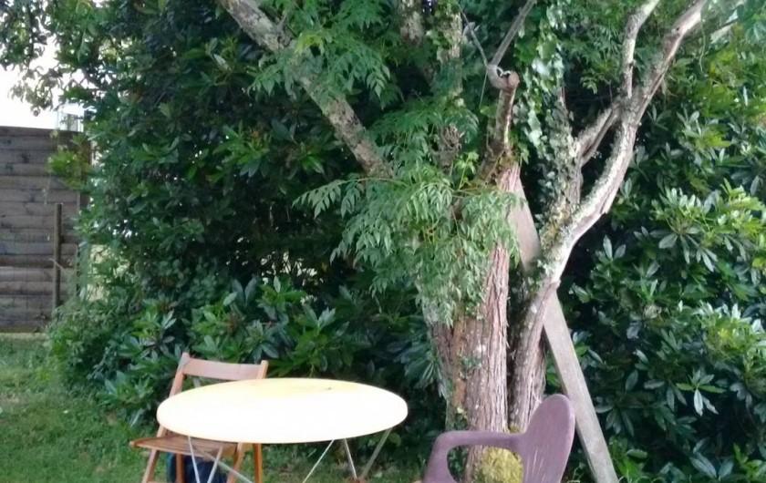 Location de vacances - Villa à Hourtin - Un coin pour se mettre à l'ombre