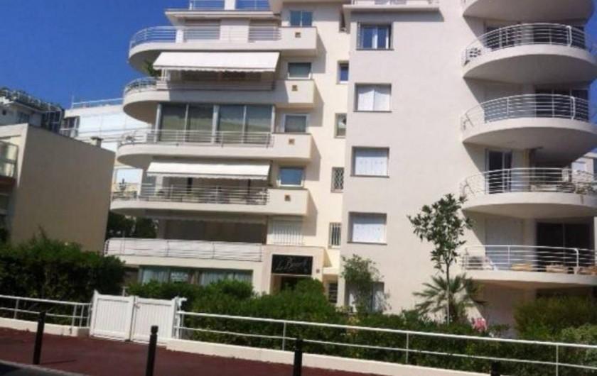 Location de vacances - Appartement à Cannes - Immeuble