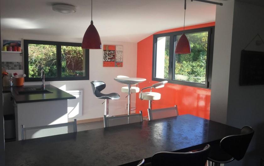 Location de vacances - Appartement à Clohars-Carnoët - espace cuisine et repas