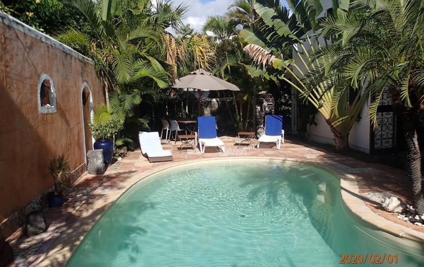 Location de vacances - Villa à La Saline-Les-Bains - Piscine - Vue VERS l'entrée