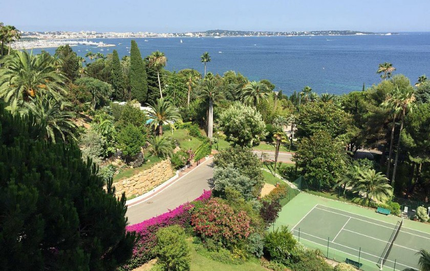 Location de vacances - Appartement à Vallauris - vue depuis la terrasse