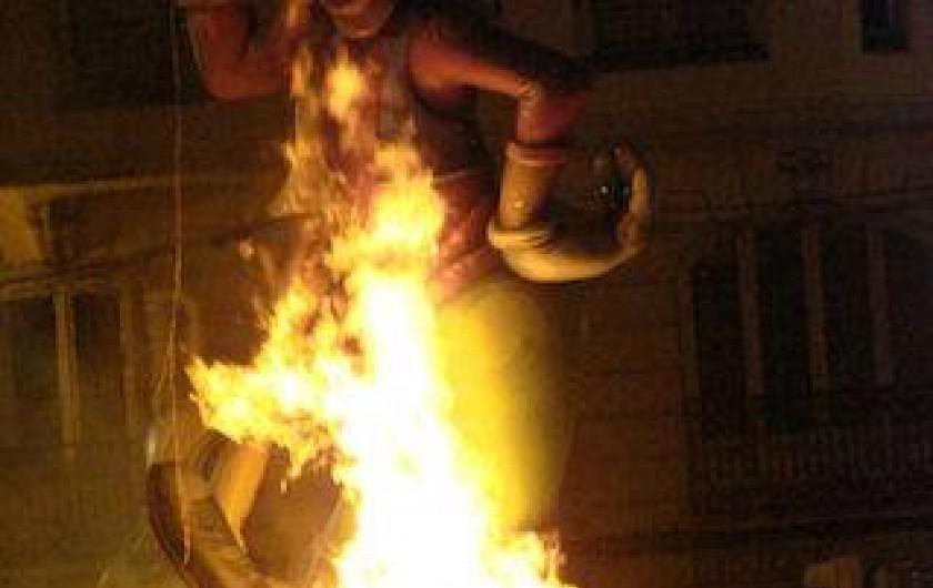 Location de vacances - Appartement à Canet d'en Berenguer - VALENCE: LES FALLAS - le dernier soir, on brûle tout!  (près de 400 fallas)