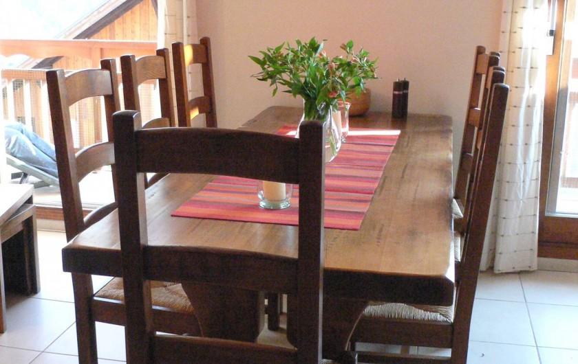 Location de vacances - Appartement à Vaujany - Table a manger pour 8