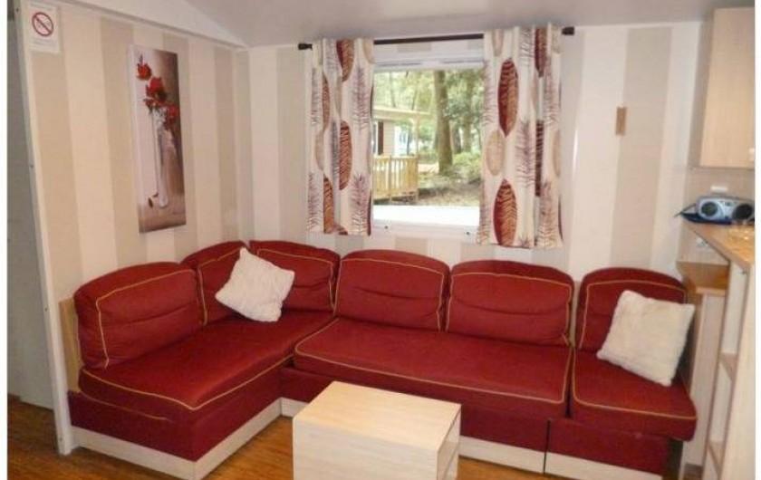 Location de vacances - Bungalow - Mobilhome à Saint-Brevin-les-Pins - Salon, canapé convertible