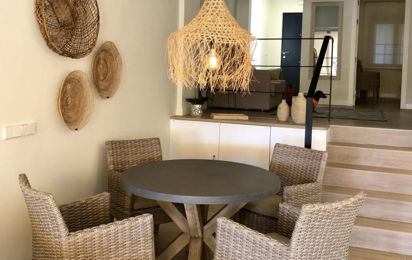 Location de vacances - Appartement à Urbanización Cabopino - Salle à manger avec 6 chaises disponibles
