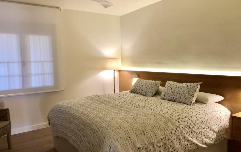 Location de vacances - Appartement à Urbanización Cabopino - Chambre à coucher lit king size 2 m