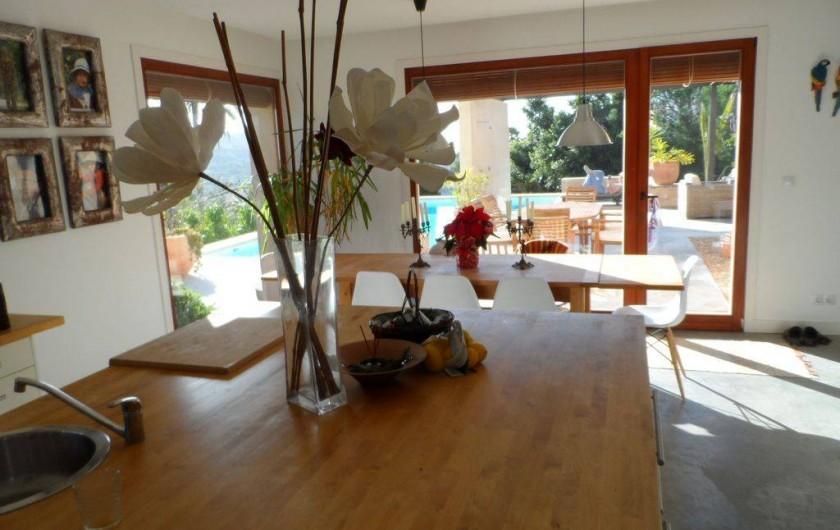 Location de vacances - Villa à Busot - Grande cuisine avec plan de travail