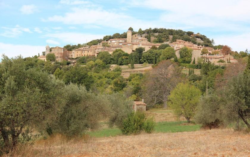 Location de vacances - Gîte à Régusse - Village Moissac 3km- 1 des plus beau de france