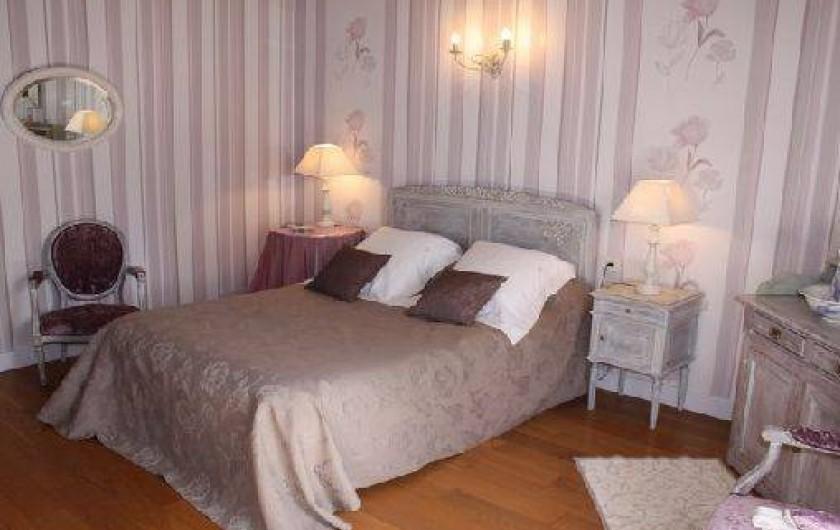 """Location de vacances - Gîte à Saint-Aubin - Chambre """"églantine"""" lit 160 sur 2"""