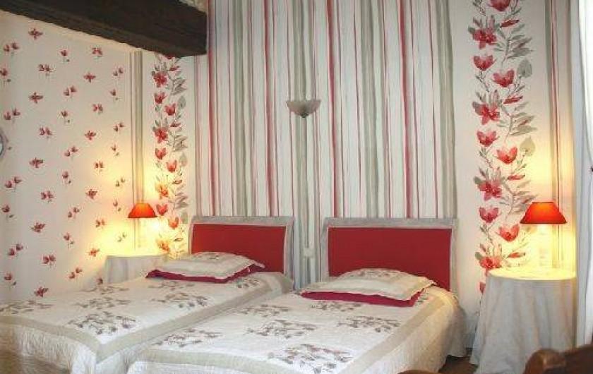 """Location de vacances - Gîte à Saint-Aubin - Chambre """"orchidée 2 lit de 90"""""""