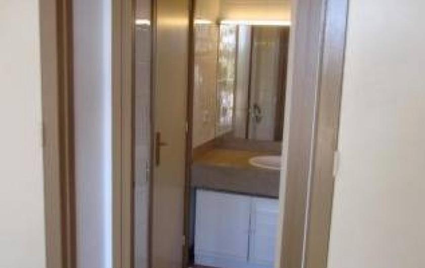 Location de vacances - Appartement à Platja d'Aro - Salle de bain des parents