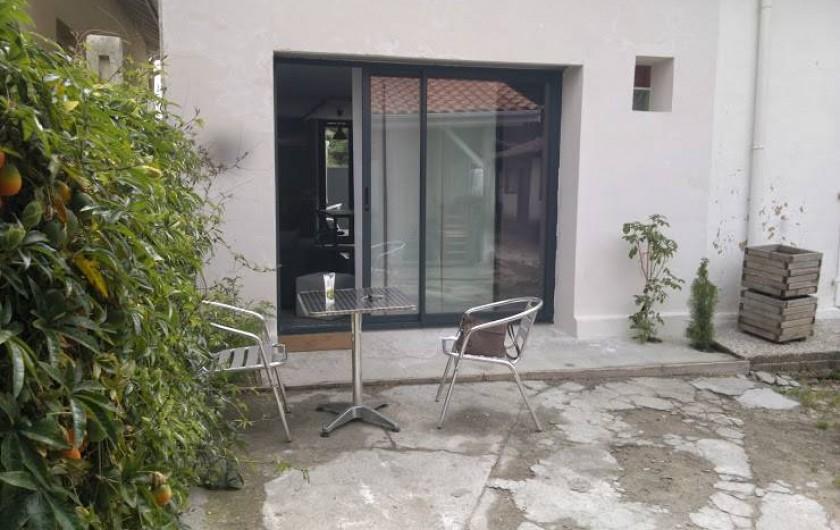 Location de vacances - Maison - Villa à Arcachon - cour cote commun