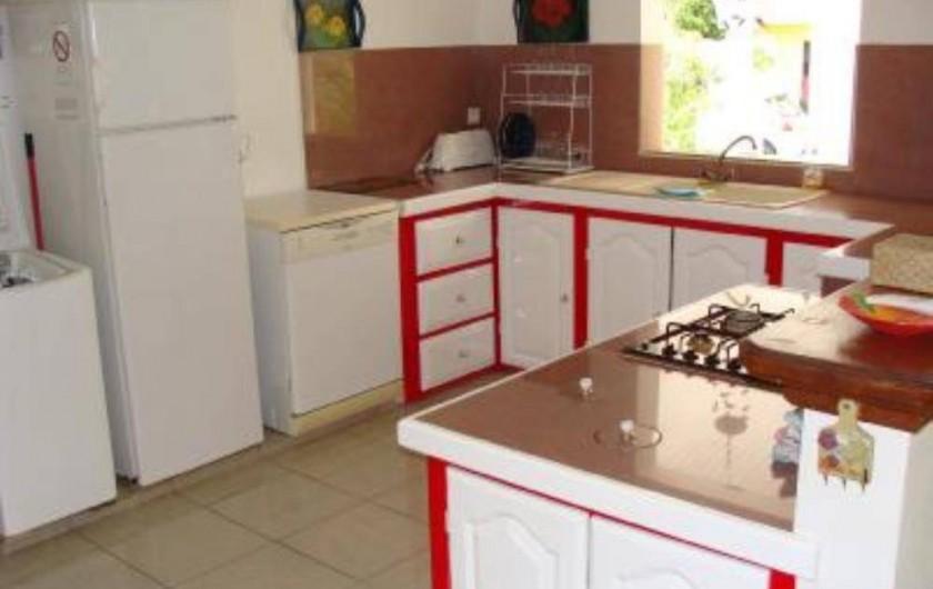 Location de vacances - Villa à Douville - Spacieuse et fonctionnelle. grille pain, blinder, four,glacière, micro-onde