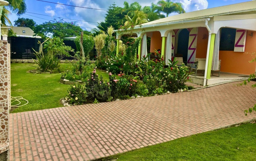 Location de vacances - Villa à Douville - Jardin toute autour de la villa