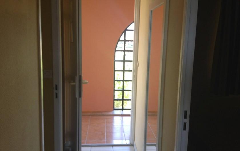 Location de vacances - Appartement à Agay - Appartement traversant, lumineux, aéré et calme...