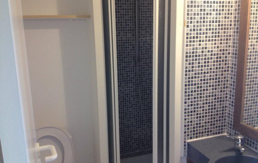 Location de vacances - Appartement à Agay - Salle de douche et toilettes...