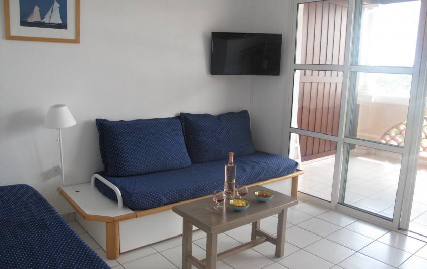 Location de vacances - Appartement à Agay - Salon, calme et lumineux appartement traversant !!!!