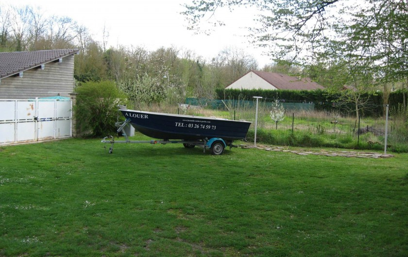 Location de vacances - Gîte à Isle-sur-Marne - Pour agrémenter votre séjour vous pouvez disposer d'un bateau sans permis