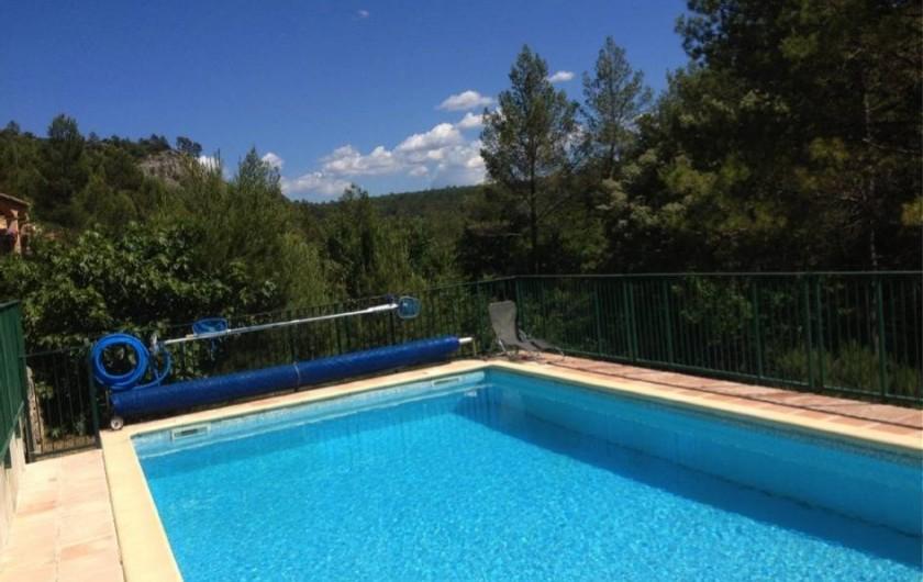 Location de vacances - Villa à Vins-sur-Caramy - Piscine - Vue