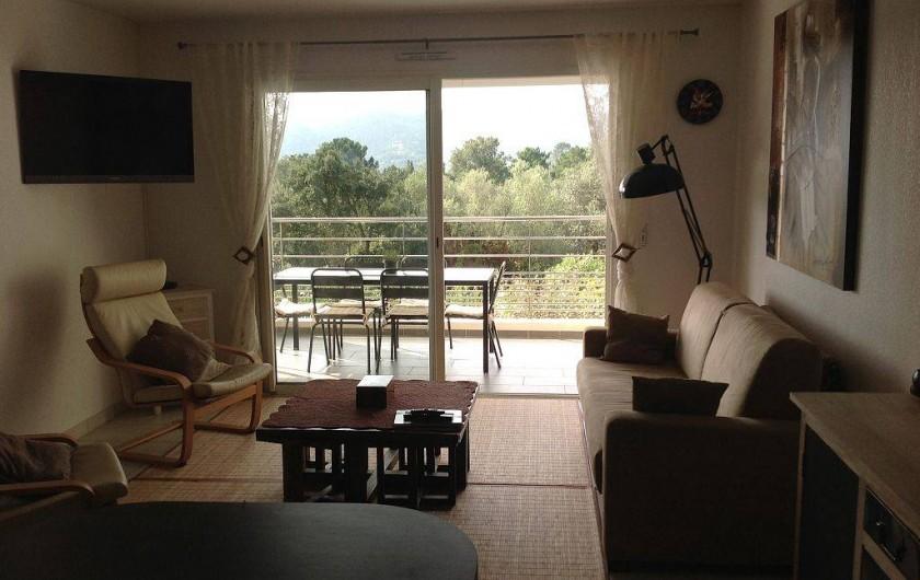 Location de vacances - Appartement à Porto-Vecchio - Grande baie vitrée
