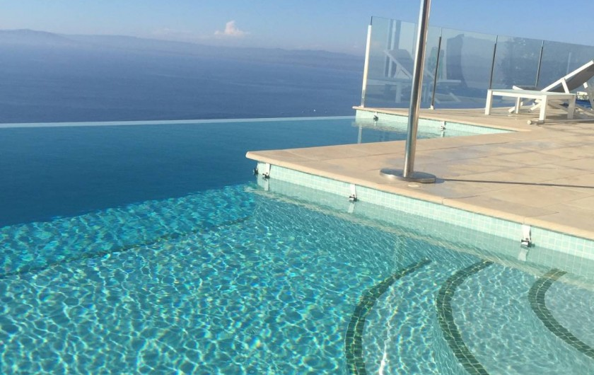 Location de vacances - Villa à Roses - Thalasso spa  7 personnes avec nage à contre courant et massages